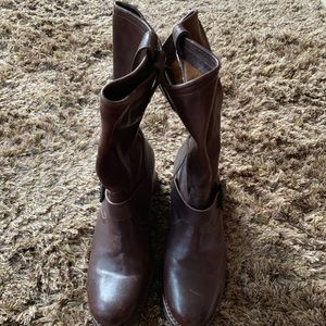 Frye boots worn once 8.5